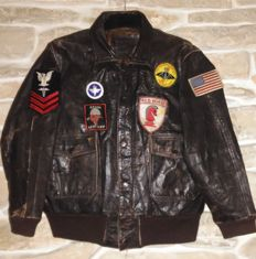Pilot US Air FORCE flying leather jacket with patches, from '70s Vietnam period