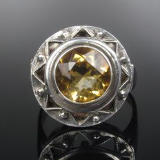 Art Deco solitaire ring with citrine spinel