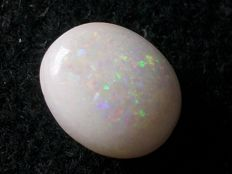 Natural Australian opal - 11 x 9.2 x 4.1 mm - 2.9 ct