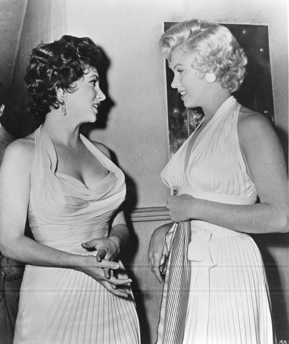 Unknown/Keystone France - Marilyn Monroe & Gina Lollobrigida, 1954
