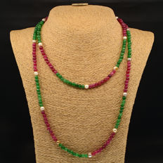 18k/750 yellow gold necklace with emeralds, rubies and cultured pearls - Length 128 cm