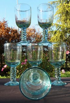Antique set of 6 chalices in blown glass with spiral stem