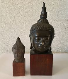 Two Bronze Buddha Head on stand - Thailand - Second half 20th century