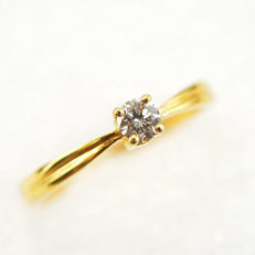 14 kt Gold Ring with 0.15 ct Diamond