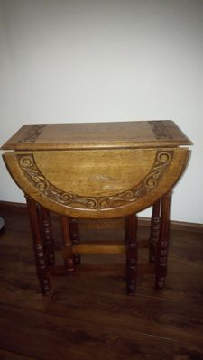 Massive oak lop table, England, first half of 20th century