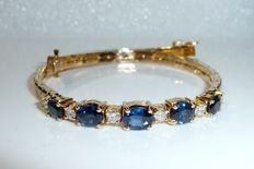 Very fine 14 kt / 585 gemstone bracelet made of yellow gold with diamonds and sapphires - usable length 18.5 cm