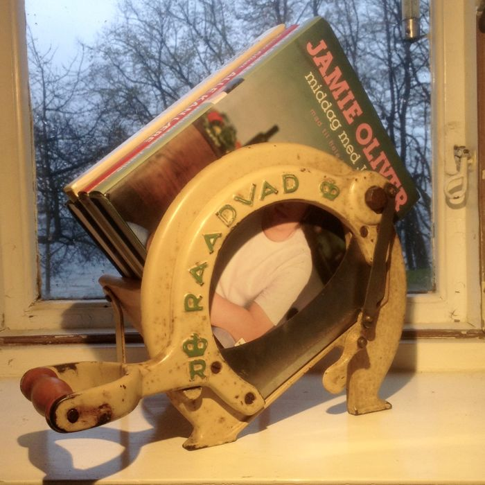 Raadvad No. 294 - White & Green - Bread Slicer / Cutter