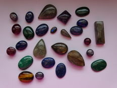 Lot Star Ruby, Malachite, Laps and more cabochons - 500 ct