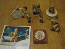 Nice large Hummel collection: 5 fun loose hummels, 2 music boxes + catalogue