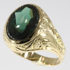 Vintage green ornamented gentlemens ring from the Fifties.