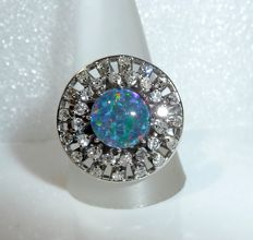 Opulent diamond-opal ring, 14 kt / 585 white gold with approx. 1 ct diamonds + opal triplet, 63 / 20.3 mm