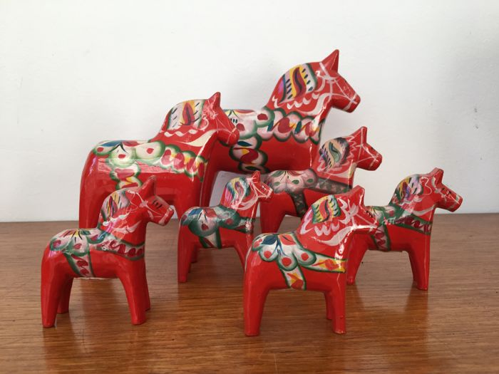Set of seven Nils Olsson Dala horses - Sweden - Nusnäs - around 1960