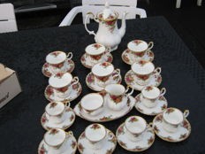Royal Albert, Old Country Roses, coffee service, including 12 cups and saucers