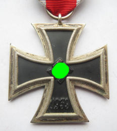 German original iron cross with ribbon in very good condition! - WW2