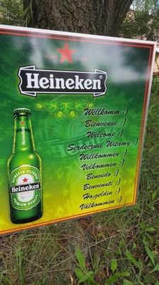 Great aluminum banner - HEINEKEN. Welcome, in 10 languages. HEINEKEN Advertisement .82,5/82,5 cm.