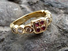 Solid gold 18 kt and Rubies - Interior diameter: 17.0 mm