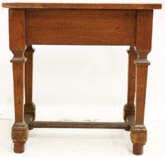 Oak side table with pin construction - 18th/19th century - The Netherlands