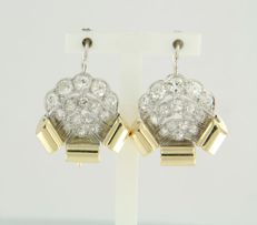 14k bicolour gold dangle earrings set with 30 Bolshevik cur diamonds, approx. 3.00 ct in total