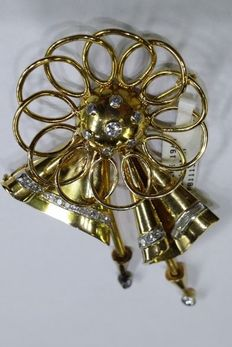18 kt yellow gold retro brooch with diamonds, early 20th century
