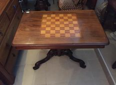 Game table inlaid with various types of wood - 19th century