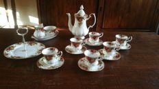 Royal Albert - Coffee set - Old Country Roses décor