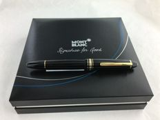 MONTBLANC LeGrand fountain pen with 18 carat gold pen point.