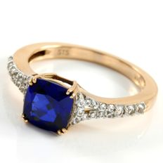 14kt Rose Gold 1.25 ct Synthetic Blue Sapphire & 0.25 ct  White Sapphire Ring  ,  Size: 7 -- No Reserve