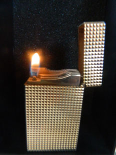 ST Dupont lighter with diamond points