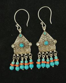 Antique earrings in silver with turquoise - Afghanistan, mid 20th century