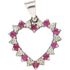 14 kt – White gold pendant in the shape of a heart set with 10 brilliant cut rubies and 10 brilliant cut diamonds of 0.30 ct in total. NO RESERVE - Length x Width: 24 mm x 18.5 mm