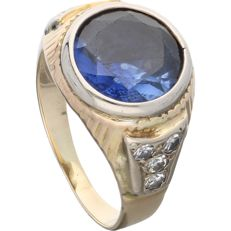 14 kt - Yellow gold ring set with a brilliant cut sapphire and 6 octagonal cut diamonds of approx. 0.24 ct in a white gold setting - ring size: 16.75 mm