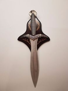 "Wonderful collection piece short sword  Sting"", ELVEN DAGGER which belongs to the character ""FRODO"" from the movie ""The Lord of the Rings"""