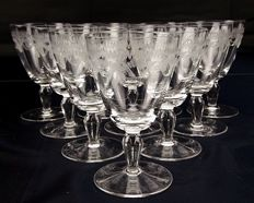 Set of 10 pieces in cut and chiselled, engraved crystal