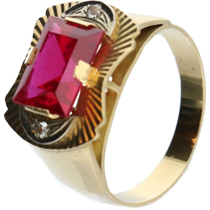 18 kt bi-colour men's ring set with synthetic ruby and white sapphire