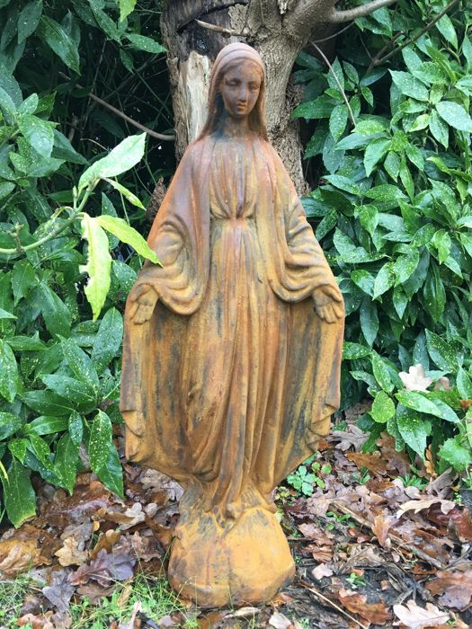 Mary statue of oxide stone, Italy - 20th century
