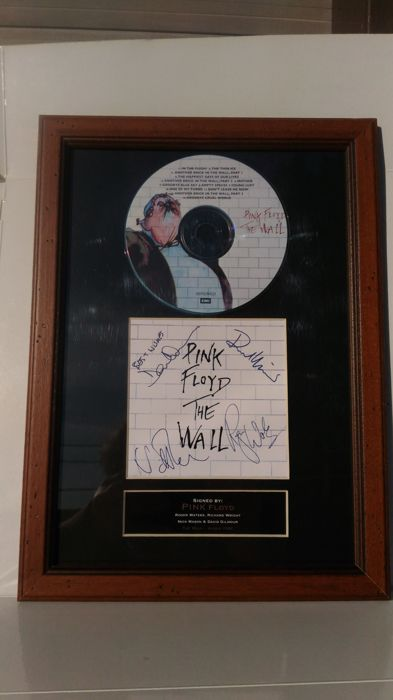 Very Rare Pink Floyd - The Wall memorial's, Signed preprinted CD Cover High Quality