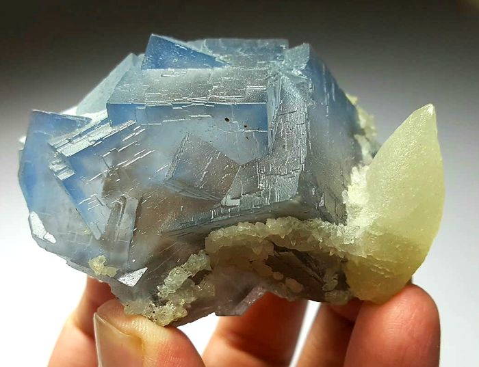 Fantastic Phantoms in Blue Fluorite Crystals with Dog Tooth Calcite - 70 x 62 x 48 mm - 221gr