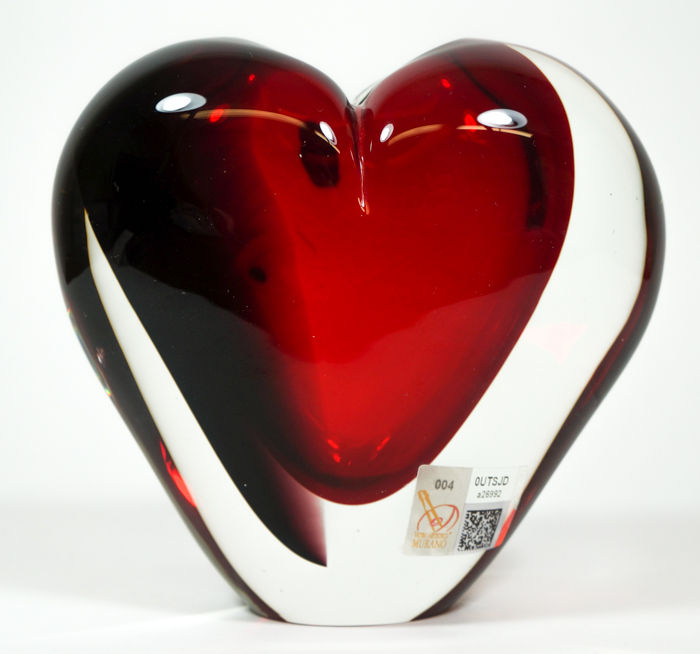 Michele Onesto (Murano) - Sommerso red/black heart vase