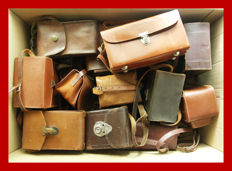 Lot of 19 + 1 classic leather camera bags, mostly Kodak