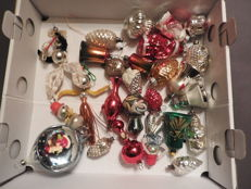25 antique glass Christmas figures (decorations) in a good condition