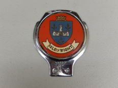 Vintage Isle of Wight UK Island Renamel Metal Car Badge Auto Emblem In Nice Condition