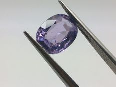Violet sapphire of 1.56 ct.