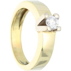 14 kt - Yellow gold ring set with 1 brilliant cut diamond of approx. 0.30 ct in total - Ring size: 17 mm