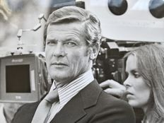 """Roger Moore and Barbara Bach """"The Spy Who Loved Me"""" vintage b&w photo"""
