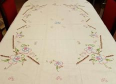 Antique square tablecloth for 4/6 people made by hand with embroideries and hemstitch - 159 x 132 cm - without reservation