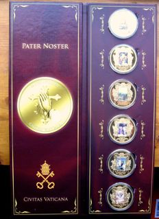 "Vatican - Big size gold plated medal set ""Pater Noster"" (6 various) in luxurious folder"