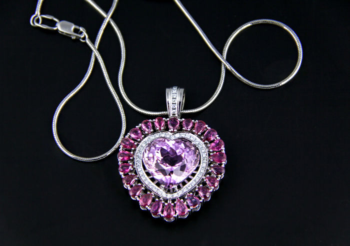 23.26 ct. Kunzite, Sapphires And Diamonds White Gold Pendant. *Free shipping*