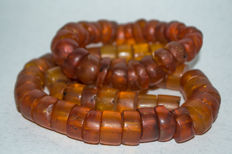 Set of Baltic Amber necklace and bracelet old honey butterscotch egg yolk colour, vintage