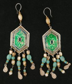 Antique earrings in silver with coloured enamel, mother of pearl and turquoise - Afghanistan, mid 20th century