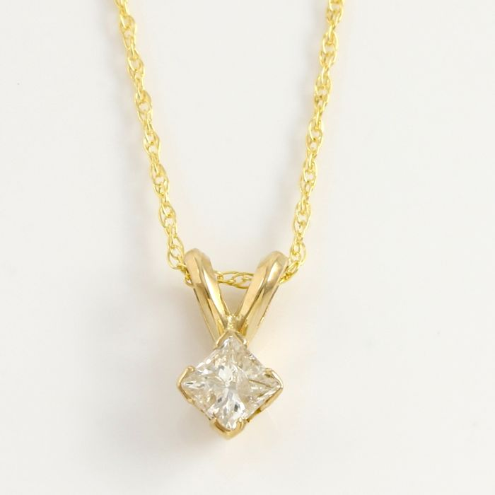 14kt Yellow Gold Solitaire 0.28 ct Diamond Pendant Necklace - 45 cm